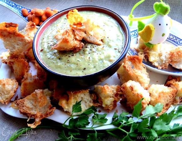 Французский чесночный суп с сырными гренками