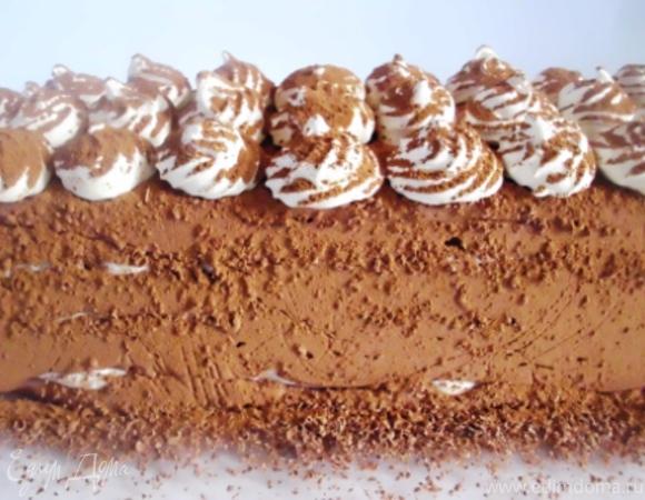 Шоколадный торт – мороженое с меренгами