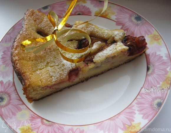 Пряный сливовый пирог с медом