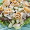 Салат с куриной печенью и яичными блинчиками
