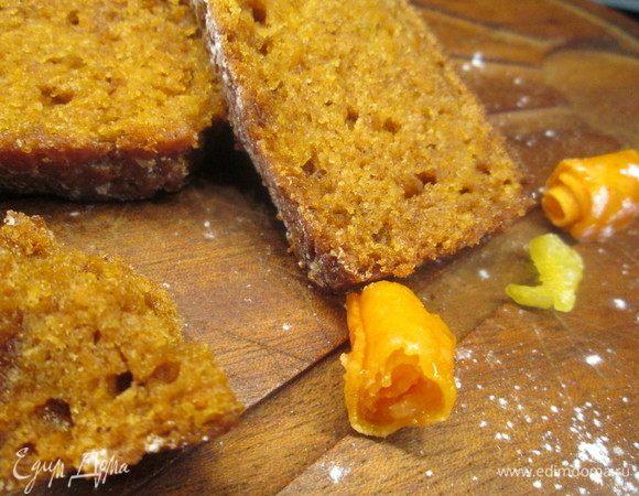 Пряный морковный кекс с цукатами