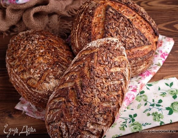 Хлеб на пшеничной закваске с семечками