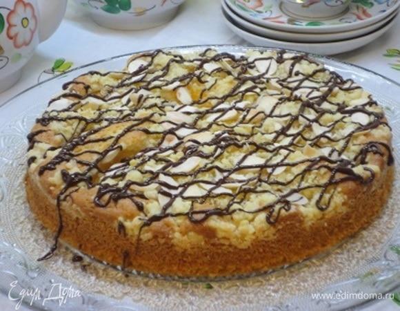 Штрейзельный пирог с персиками