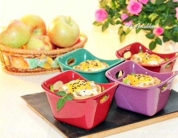 Яблоки, запеченные с курочкой и рисом