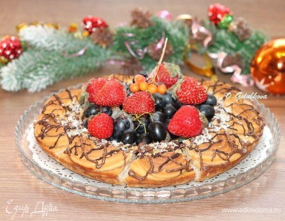 Творожная запеканка с печеньем и фруктами