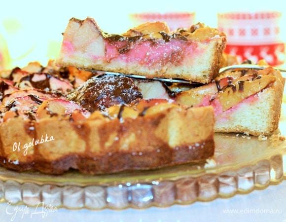 Ванильный пирог с яблочно-малиновым суфле