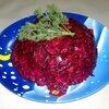 Салат из свеклы с соленьями