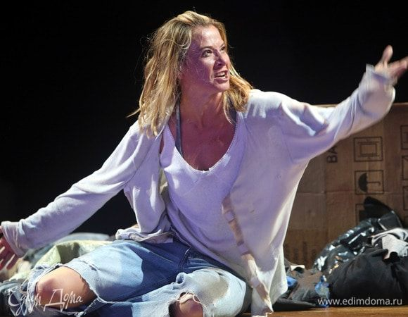 Юлия Высоцкая и Андрей Кончаловский представят в Санкт-Петербурге спектакль «Эдип в Колоне»