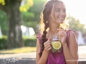 Капля мудрости: как правильно пить воду в жару и поддерживать баланс