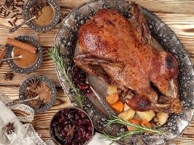 Готовим утку в духовке: 10 лучших рецептов от «Едим Дома»
