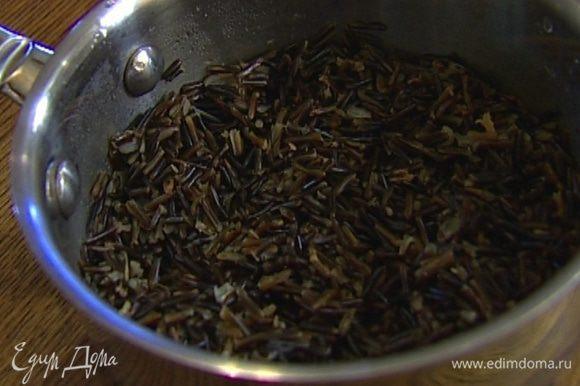 Рис залить 1 литром кипятка и варить 40 минут.