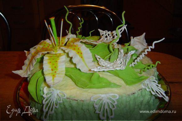 и украшаем тортик.