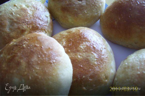 """Для """"сборки"""" гамбургера я готовила булочки сама по рецепту Nata Ru """"Пивной хлеб с тмином"""". На мой взгляд, вариант прекрасный."""