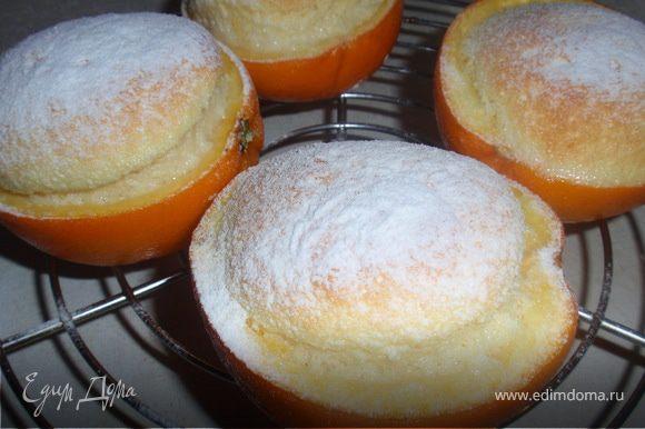 Запекать в духовке при температуре 180 градусов 5-10 минут.