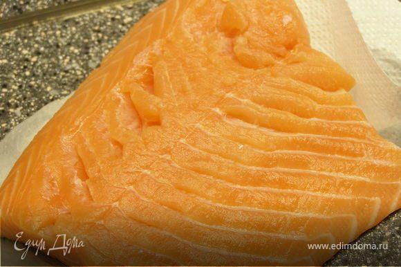 Филе рыбы промыть и обсушить.