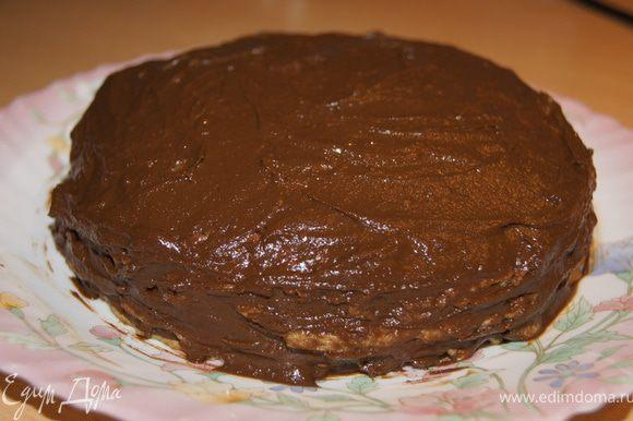 Делаем тортик: блинчик сверху крем и так далее. Отправить в холодильник на 3 часа. приятного аппетита!))