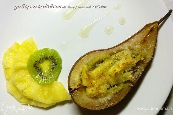 При подаче можно украсить кусочками фруктов и ананасовым сиропом (или другим фруктовым).