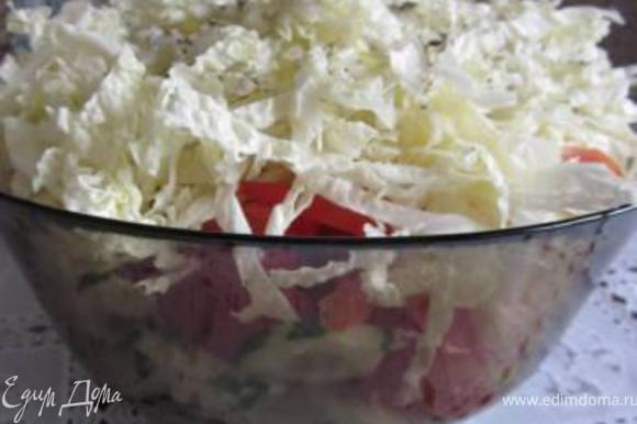 Все ингредиенты перемешиваем, солим и перчим.