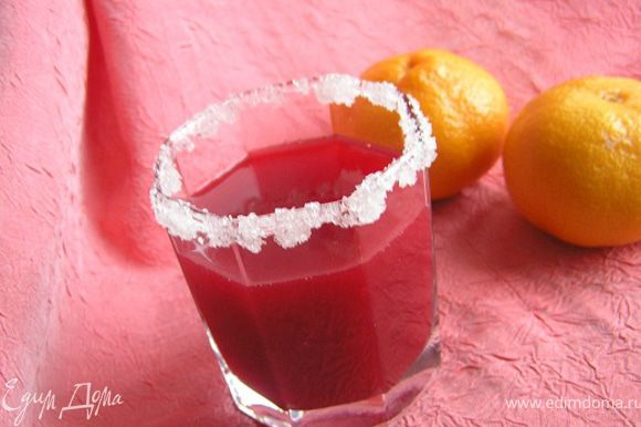 Разлить по стаканам. Витаминный морс готов! :)