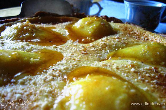 Пирог кушайте теплым, а если и с ванильным мороженым, то правда вам понравится:))) Приятного аппетита!