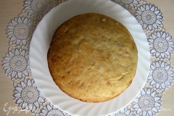 Готовый хлеб еще горячим аккуратно вынуть из формы, сбрызнуть водой, завернуть в кухонное полотенце и положить в пакет (или накрыть фольгой и укутать полотенцем). Через 1 час можно разрезать и пробовать. Приятного аппетита!