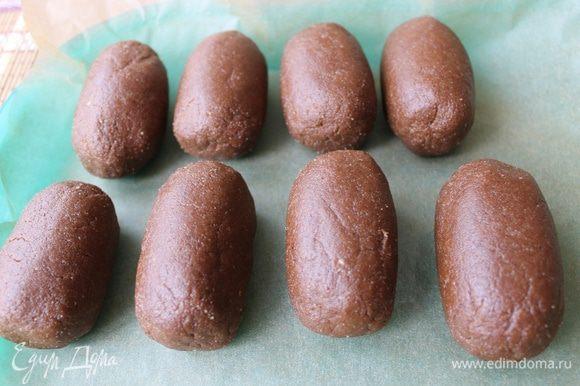 Получилось 9 штук. Их я поставила в холодильник, чтобы немного застыли. В это время растопила на водяной бане плитку белого шоколада.