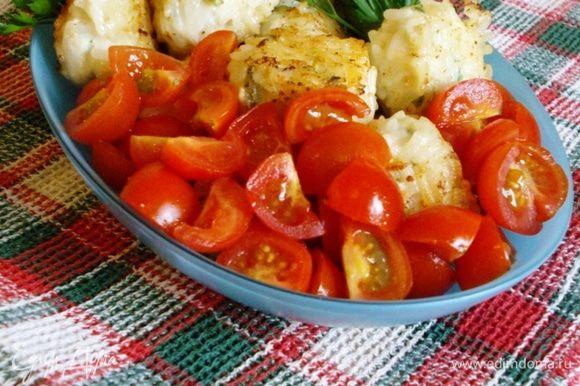 Можно подавать просто со свежими помидорами и зеленью.