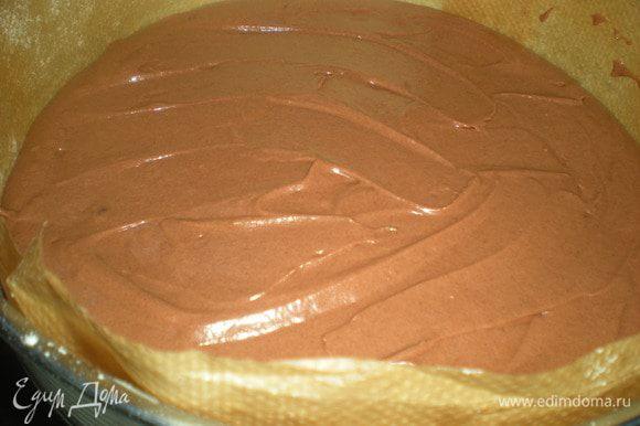 Вылить тесто в форму и выпекать 30 мин. (смотрите по своей духовке и проверяйте палочкой). Остудить на решетке. Испечь два коржа,предварительно разделив тесто на две части.