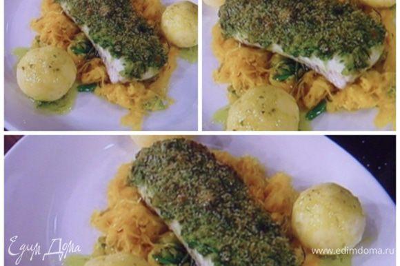 Приятного аппетита!! При желании можно блюдо украсить запеченным хрустящим беконом, как на фото сверху.