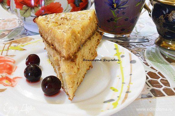 Сверху торт посыпать перемеленными орехами. Приятного чаепития.