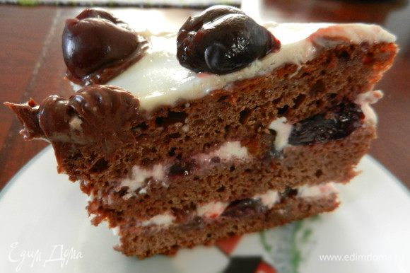 Оставить торт для пропитки часов на 12 в холодильнике. Украсить и подавать. Приятного аппетита! Ниже я разместила фото оформления торта моей подругой lula-art ))))