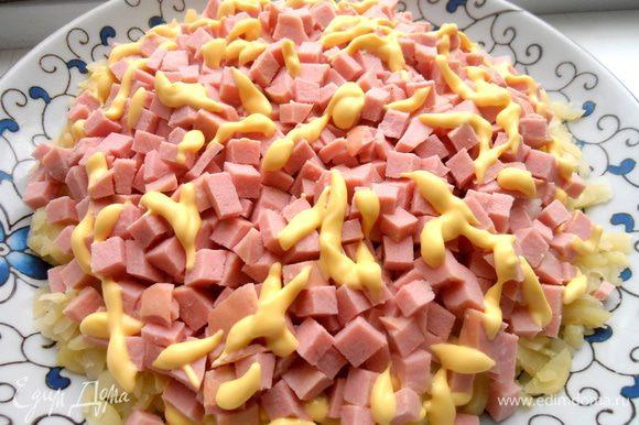 Немного майонеза... Кому его не хватит, можно добавить в порционной тарелочке.