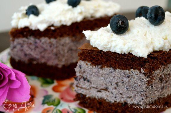 """На прошлые выходные делала Торт """"Черничный соблазн"""" - РД от Марьяны http://www.edimdoma.ru/retsepty/56232-tort-chernichnyy-soblazn Вкусно, свежо и понравится всем любителям ягодных десертов! Рекомендую!"""