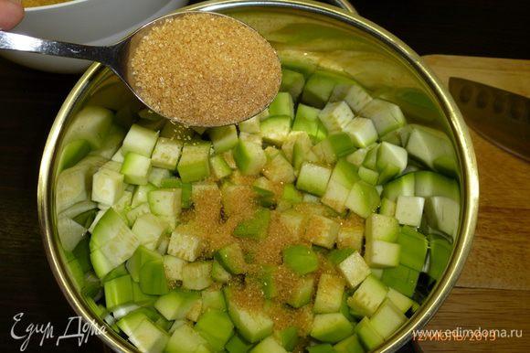 В кастрюлю положить кабачки, добавить 2 ст.л сахара, ...