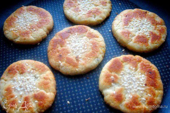 Первая партия печенья была готова через 15 минут при 180*.