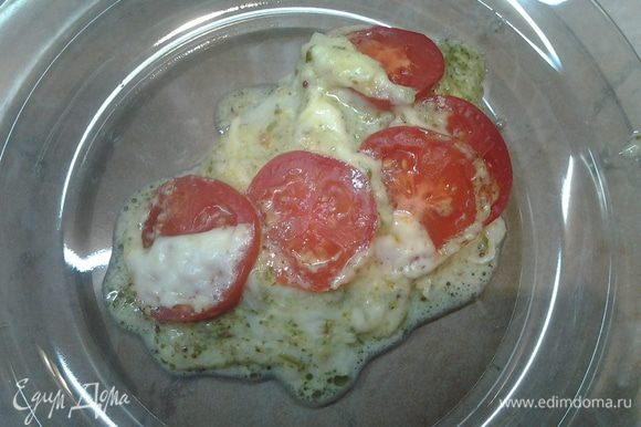 Вот такая рыбка получается. Подавать с отварным картофелем или с овощным салатом. Приятного аппетита!