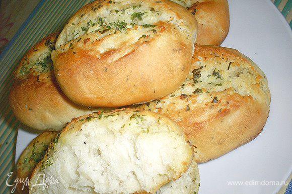 Вынимаем наши хлебцы и начинаем дегустировать. Удивительно вкусно и в холодном, и в теплом, и в горячем виде. Приятного аппетита!