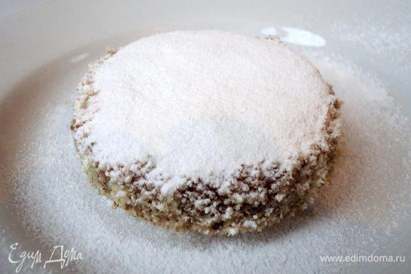 Выложив на блюдо присыпать сахарной пудрой.