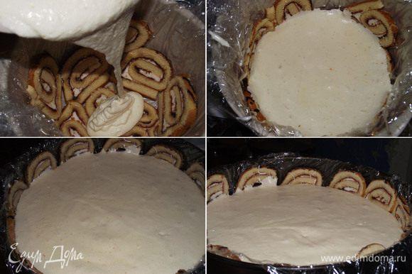 Выливаем быстро суфле в форму, оно застывает на глазах и отправляем в холодильник. Через 10 минут слой застынет. Суфле «птичье молоко» готово.