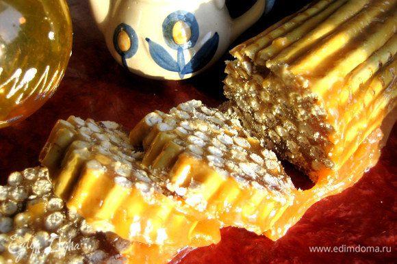 Данную карамель я взяла из этого рецепта: http://www.edimdoma.ru/retsepty/62346-karamelnoe-poleno-iz-solomki