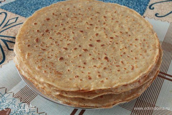 Испечь 6 штук овсяных блинчиков по этому рецепту: http://www.edimdoma.ru/retsepty/64582-tonkie-ovsyanye-blinchiki