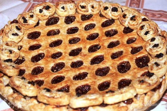 Или в качестве украшения к ягодному пирогу)))