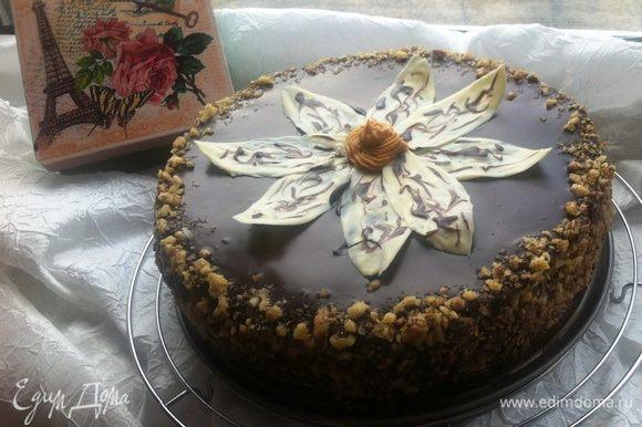 """Т.к. карамельный торт делала первый раз, да еще и сама перевела рецепт, то решила подстраховаться и параллельно готовила еще и второй тортик. Вот такой вот получился тортик по рецепту Кати (KT-SW) Торт """"Пьяная вишня"""". Мне очень понравился."""
