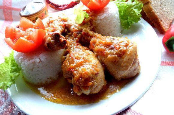 Обмазывая аджикой,мы регулируем остроту курочки,а соус получается такое объеденье,что съедается всегда без остатка вместе с курицей! Приятного аппетита!!!!
