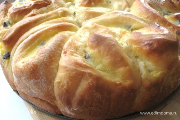Когда булочки остынут, можно украсить их сахарной глазурью.