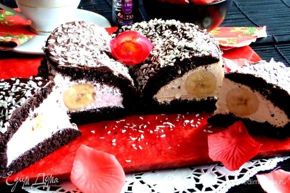 Вот тут мне и пришла идея поставить оба тортика вместе,чтобы все увидели в разрезе глаза))
