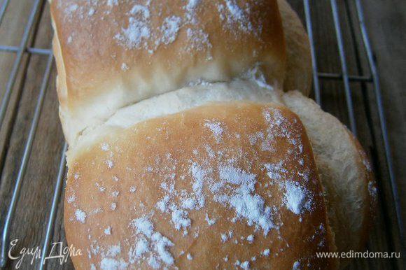 Выпекать 35 минут при t 190С с паром. Готовый хлеб остудить на решетке.