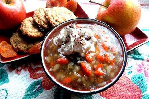 Кому интересно,можно посмотреть сладкий суп, в который я тоже добавляла эти ягодки))) http://www.edimdoma.ru/retsepty/66910-sladkiy-sup-s-risom-fruktami-i-yagodami