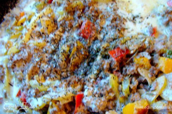 Перемешать, может добавить соль по вкусу. Приправить тимьяном, который вполне можно заменить на любую вашу любимую травку. Протушить под крышкой все минут 5.