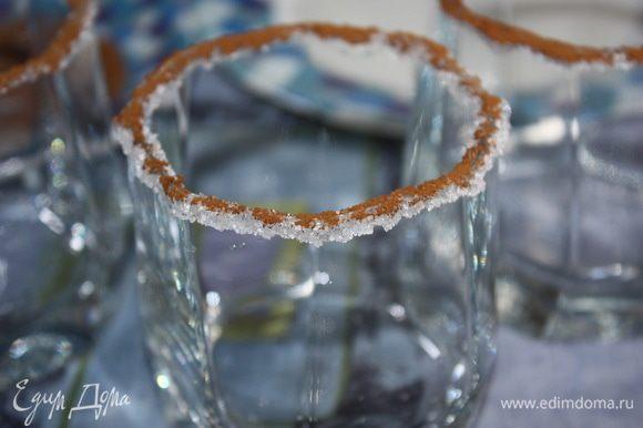 Подготовка бокалов. Края бокала опускаем в лимонный сок, затем в сахар и в кофе. Оставляем бокалы в покое на 10-15 минут, чтобы оформление на бокалах застыло и не осыпалось.
